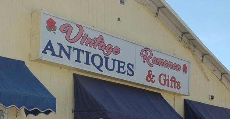 Vintage Romance Antiques